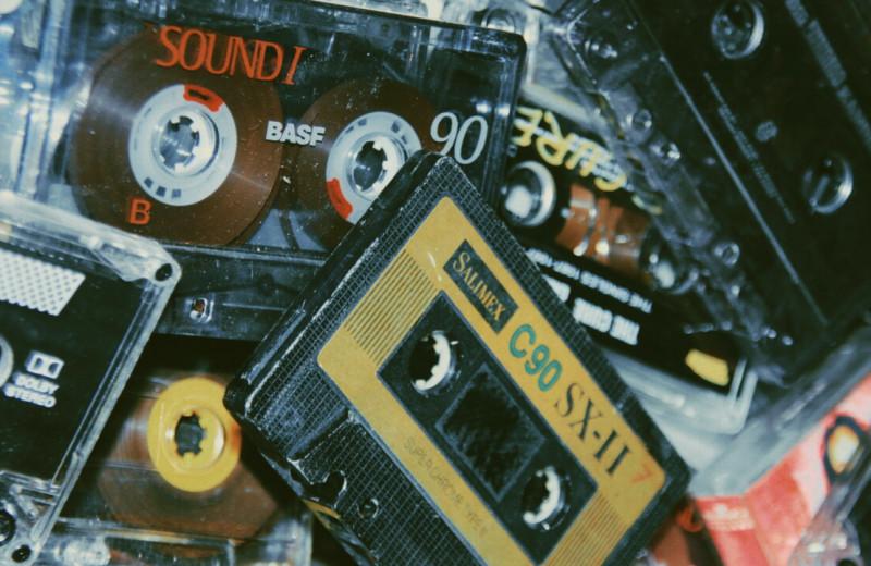 Музыка, которую можно положить в карман пиджака: история аудиокассет и их создателя Лу Оттенса