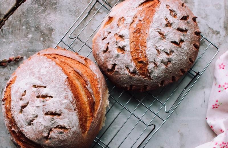 В чем польза цельнозернового хлеба и поможет ли он похудеть