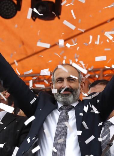 Смена власти: какой урок извлекла Россия из армянской революции
