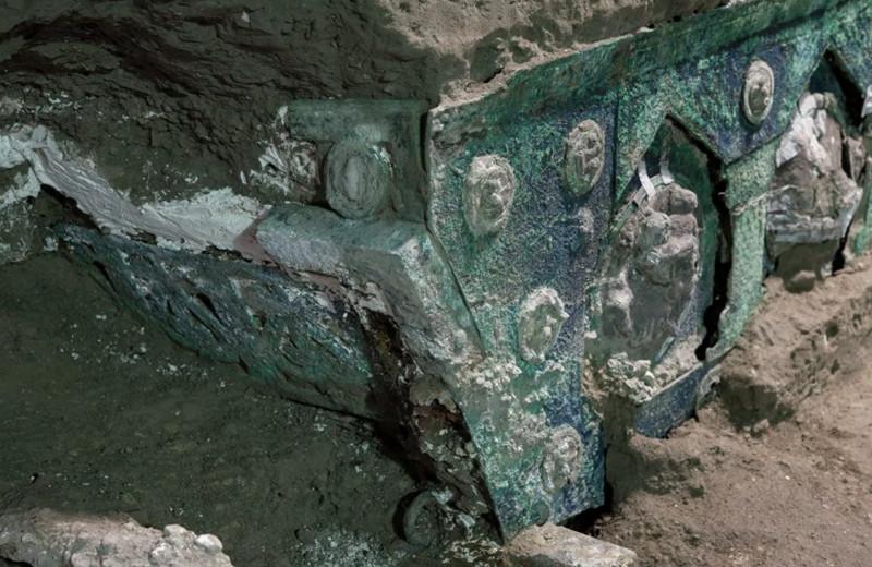 Возле Помпей нашли уникальную античную колесницу