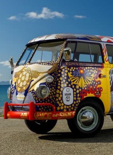 Машина для любви, а не для войны: история легендарного «хиппи-буса» от VW