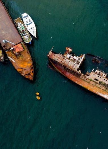 Сто лет под водой: откуда в Магадане кладбище кораблей и почему его не убирают