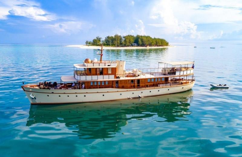 Классическая деревянная яхта вошла в портфолио Thanda