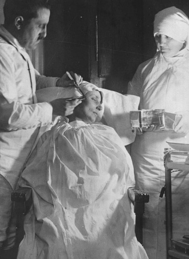 Нос пришит к руке: как выглядели пациенты после пластических операций в прошлом