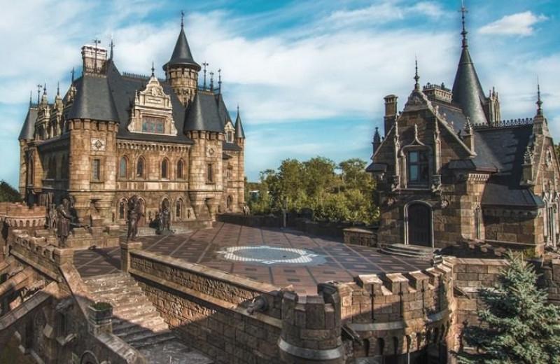 Как устроен замок и сколько стоит его построить?