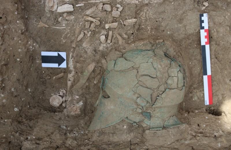 Бронзовый шлем найден на Таманском полуострове