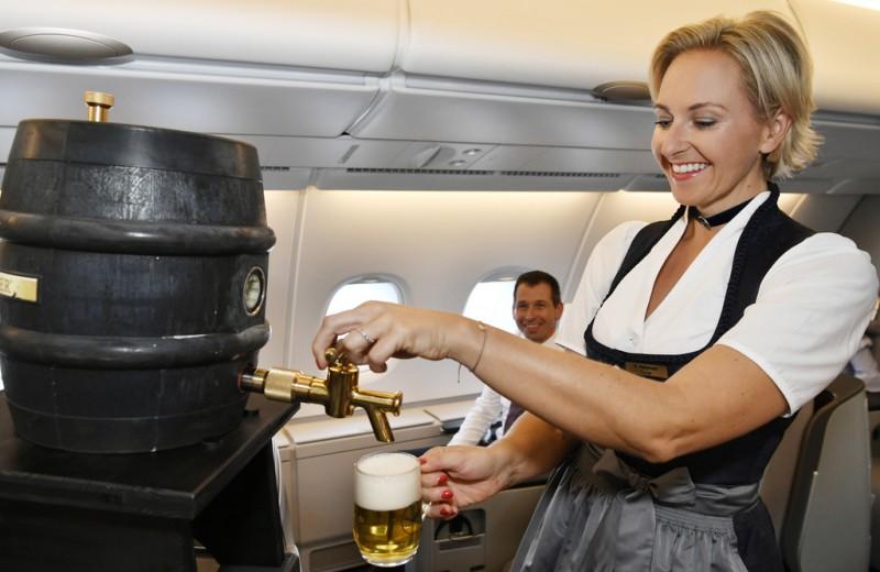 Праздник на борту: как Lufthansa подготовилась к Октоберфесту