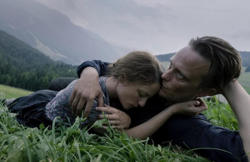 Колокола на пули: как новый фильм Терренса Малика учит принятию смерти