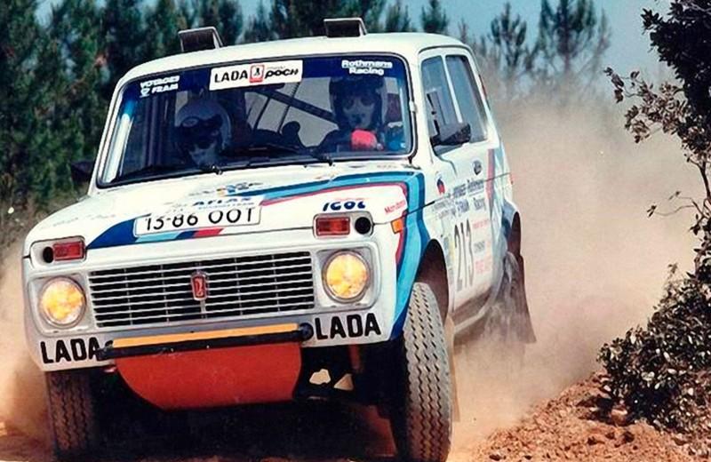 """Вместо дачи на гонки: как """"Нива"""" гоняла в """"Дакаре"""""""