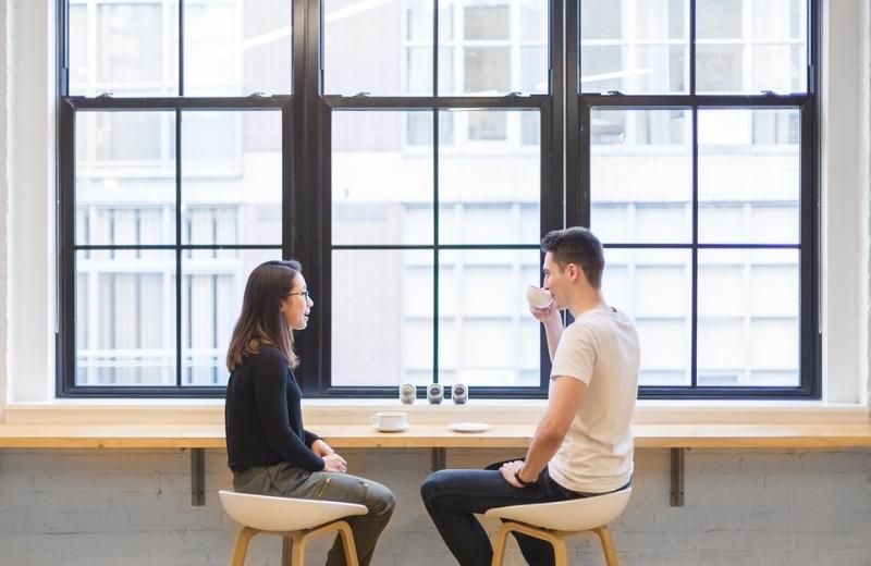 Как начать встречаться с бывшей друга и не прослыть негодяем: 5 главных советов