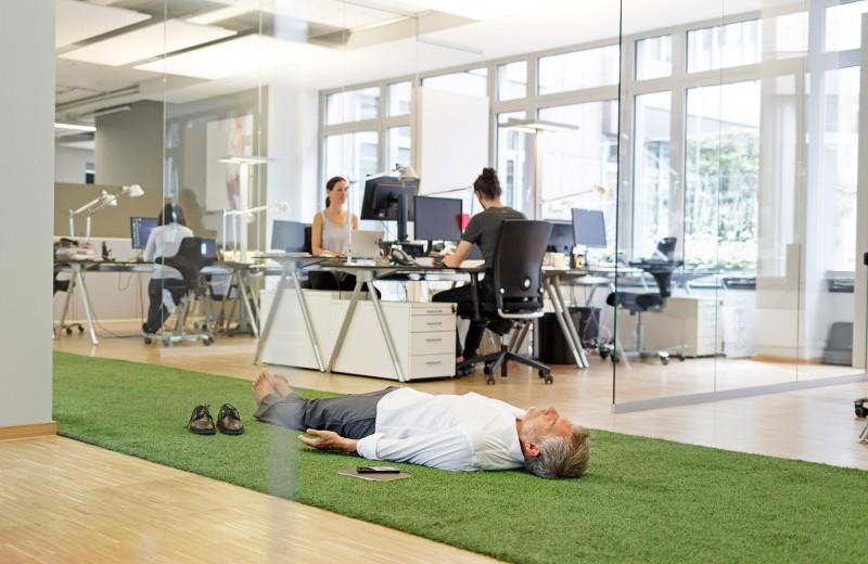 Работа с тенью и коуч Депардье: 9 секретов личного роста от бизнесменов и топ-менеджеров
