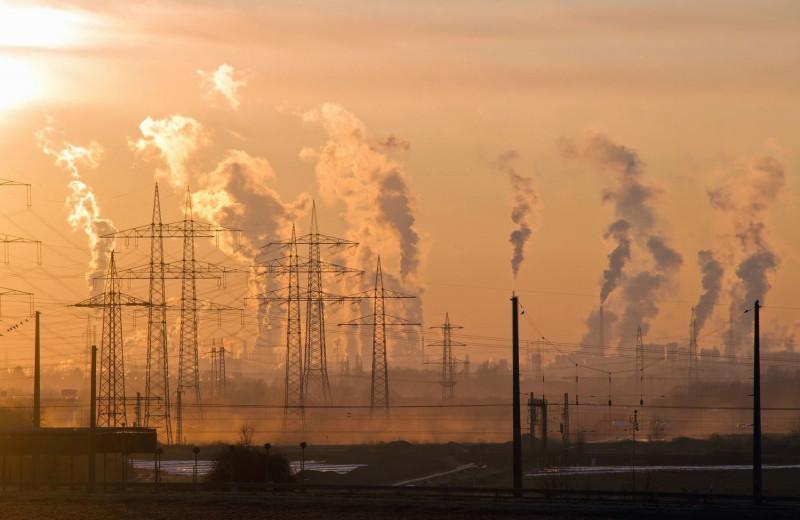 Каждый пятый человек в мире умирает от загрязнения воздуха ископаемым топливом