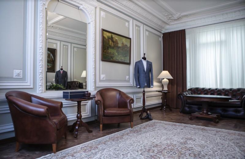 Где, как и зачем шить костюм в Москве