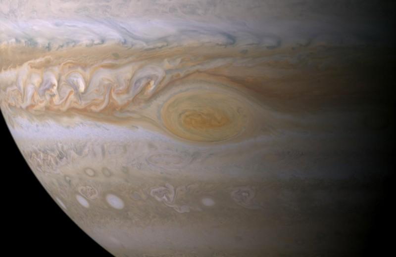 Что будет, если астероид столкнётся с Юпитером: видео