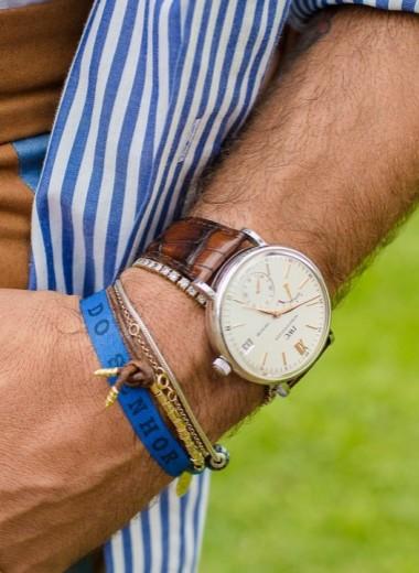 Как мужчине носить украшения?