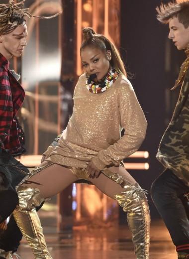 52-летняя Джанет Джексон вернулась на сцену на церемонии Billboard Music Awards