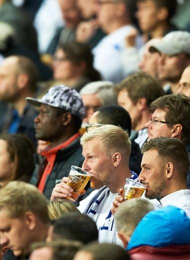 Алкоголь поможет спорту: зачем пиво возвращают на российские стадионы