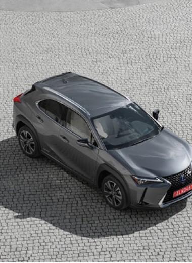 Lexus UX: необыкновенный кросс