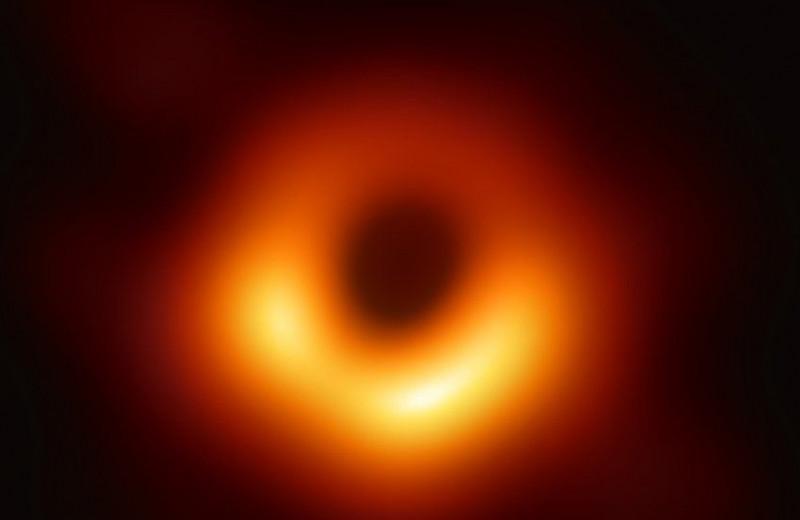 10 захватывающих фактов про чёрную дыру