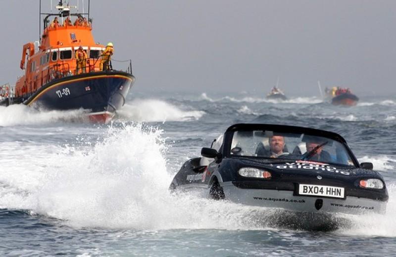 И поехать, и поплыть: самые странные и успешные попытки создать «лодкомобиль»
