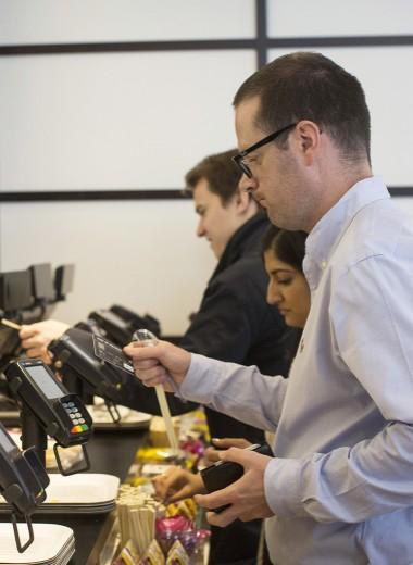 Эксперты рассказали о новом способе мошенничества с бесконтактными платежами с карт Visa