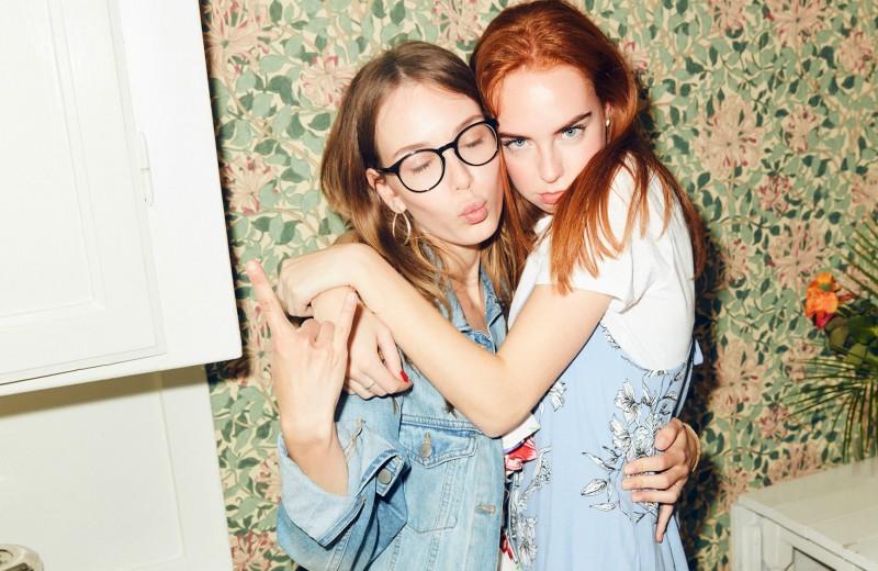 13 способов утешить подругу, которая рассталась с партнером