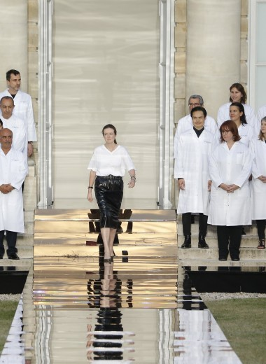 Не только платье Меган Маркл: чем запомнится работа дизайнера Клэр Уэйт Келлер в модном доме Givenchy