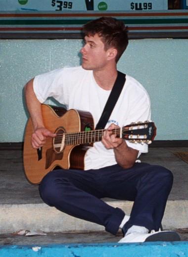 Алек Бенджамин: «Пока ни с кем не расставался песней»