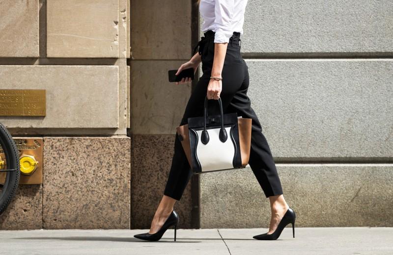 На шаг позади. Почему мужчины все еще успешнее женщин в карьере