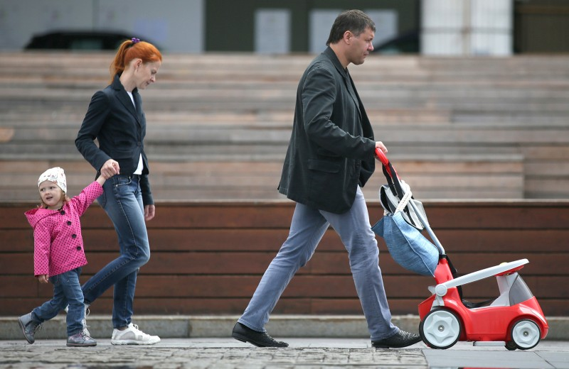 Непослушные родители: почему в России так легко изъять детей из семьи