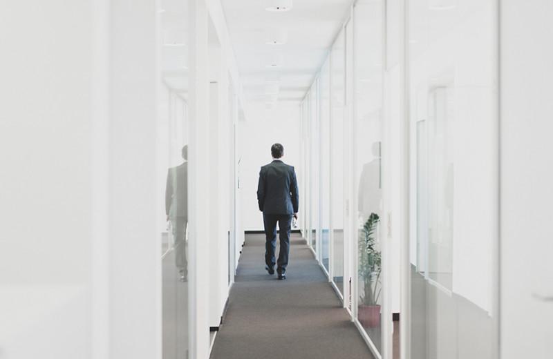 Мертвые амебы, негативщики и нытики: как выстраивать отношения с проблемными сотрудниками