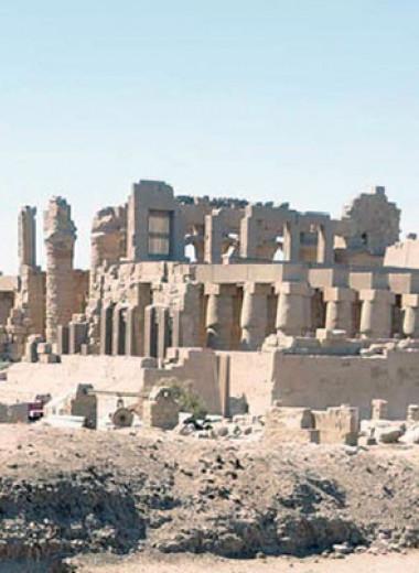 Сместившееся в древности русло Нила освободило место под Карнакский храмовый комплекс