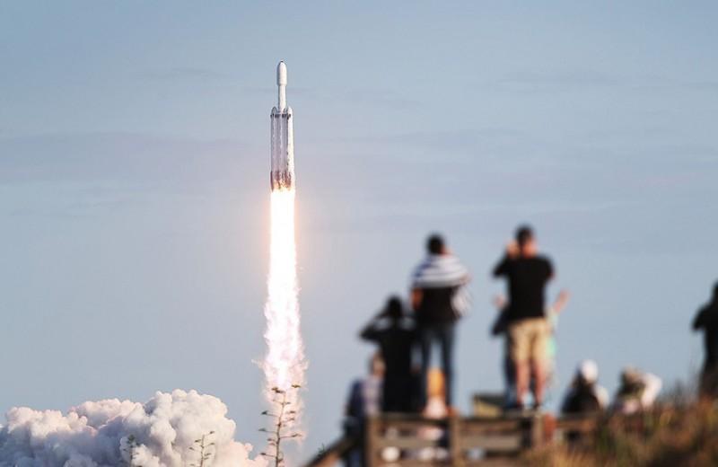 Гигантский прыжок космического капитализма: что значит для бизнеса отправка астронавтов Илоном Маском