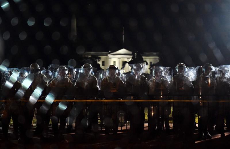 Хроника протестов в США, неделя вторая: власти берут ситуацию под контроль, столкновения начали затихать