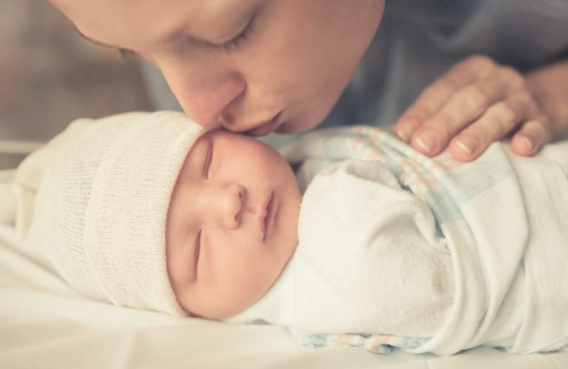 Как правильно пеленать новорожденного: 6 простых способов