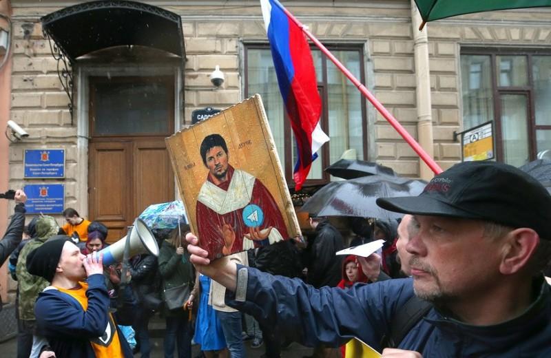 Фактор Дурова vs фабрики троллей. Как соцсети влияют на протесты