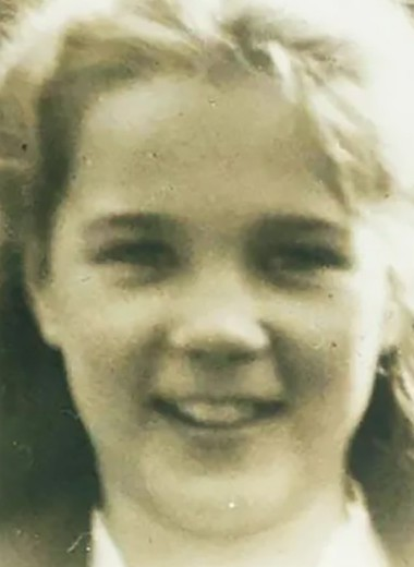 Настоящая «Лолита» — совратитель притворялся ее отцом и жил с ней 2 года