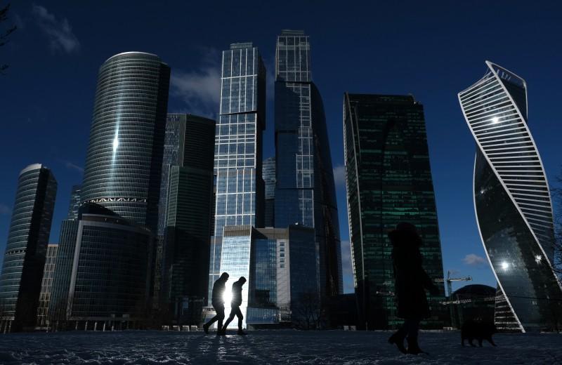 Бизнес стопорят санкции и регулирование