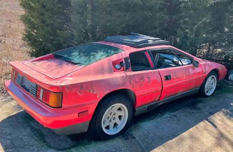 Находки в сарае: 7 редких авто, которые обнаружили чисто случайно