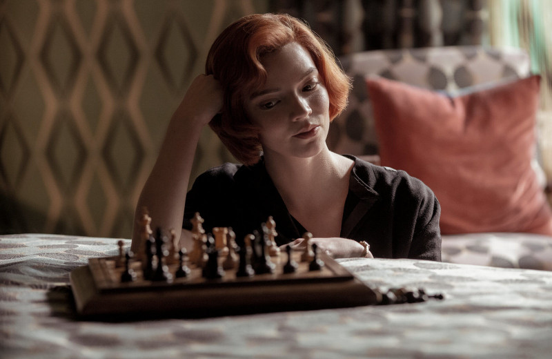 «Чики», «Ход королевы», «Голливуд»: лучшие сериалы 2020 года