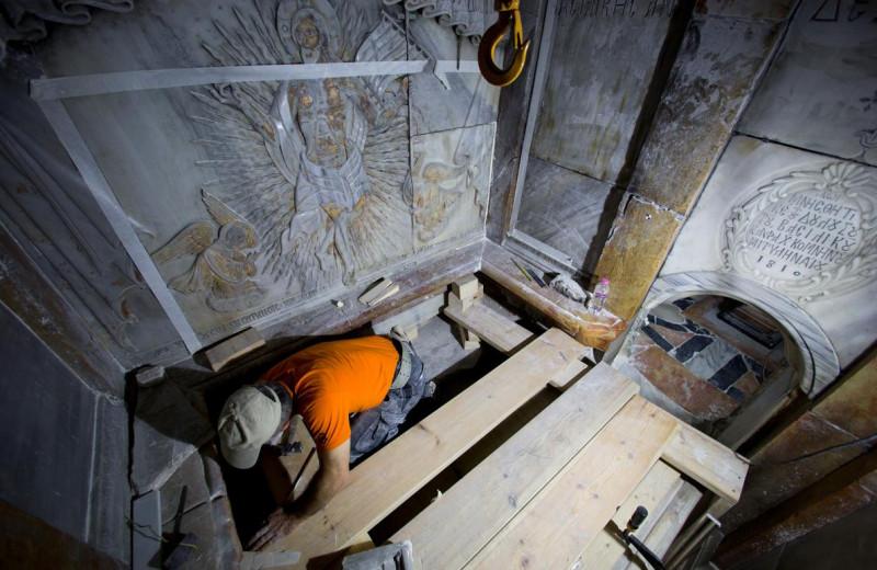 Что нашли археологи, вскрывшие Гроб Господень