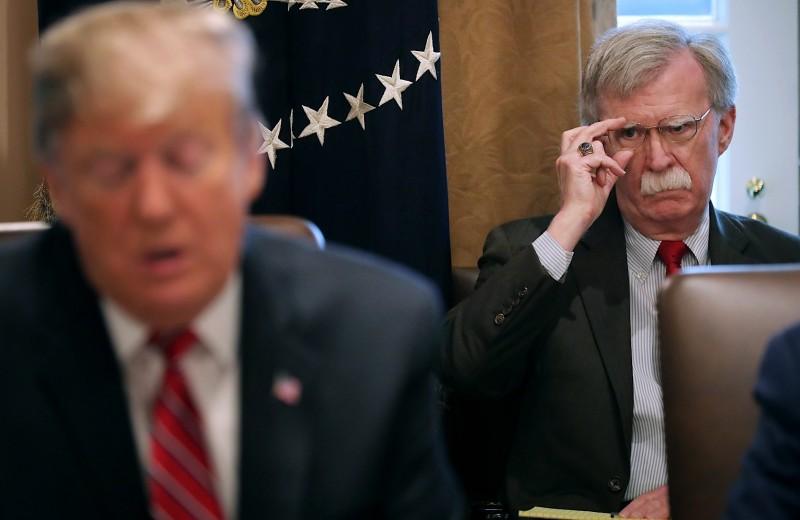 Человек, который не оправдал надежд Трампа: почему отправлен в отставку Джон Болтон