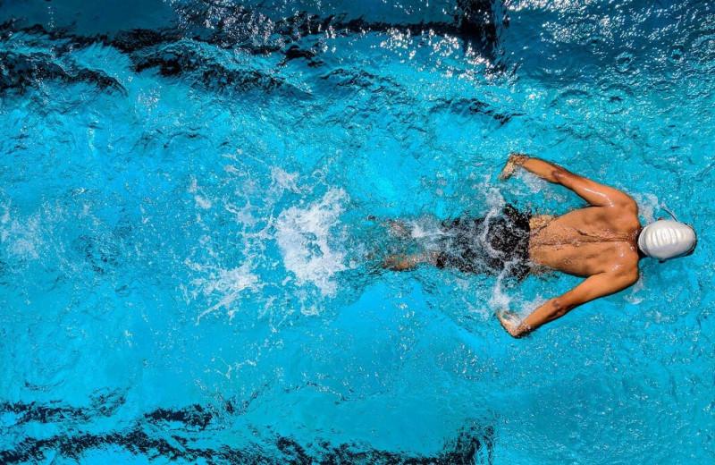 Почему нужно хлорировать воду в бассейне и к чему это может привести