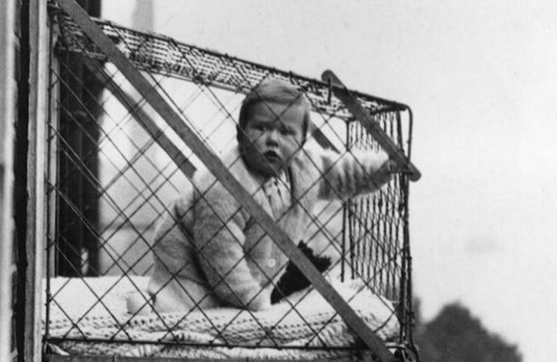 Клетка для выгула детей и еще 4 очень странные ретрофотографии