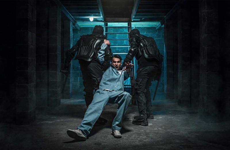 Хата с краю: приключения МН в тюремной камере