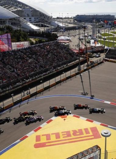Никто кроме них: Гран-при России как гонка имени Mercedes-Benz