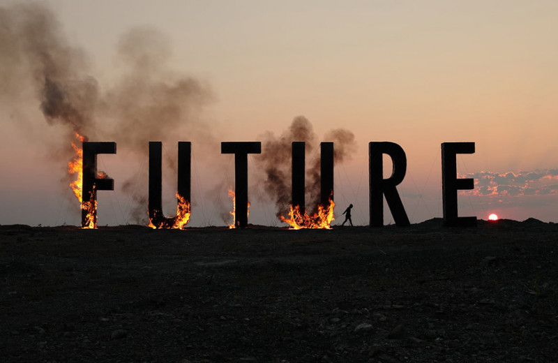 «Кризис на всем ходу врезался в вершину пирамиды Маслоу»: как 2020 год подвинул современное искусство ближе к людям
