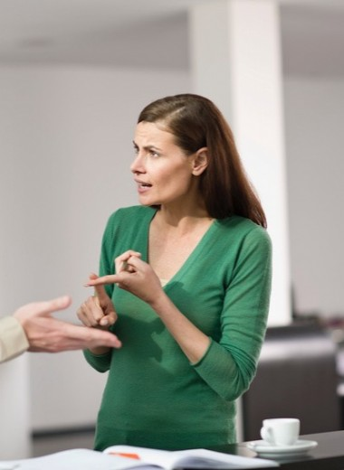 «Позвольте, я вас покритикую»: как распознать и остановить хамство на рабочем месте