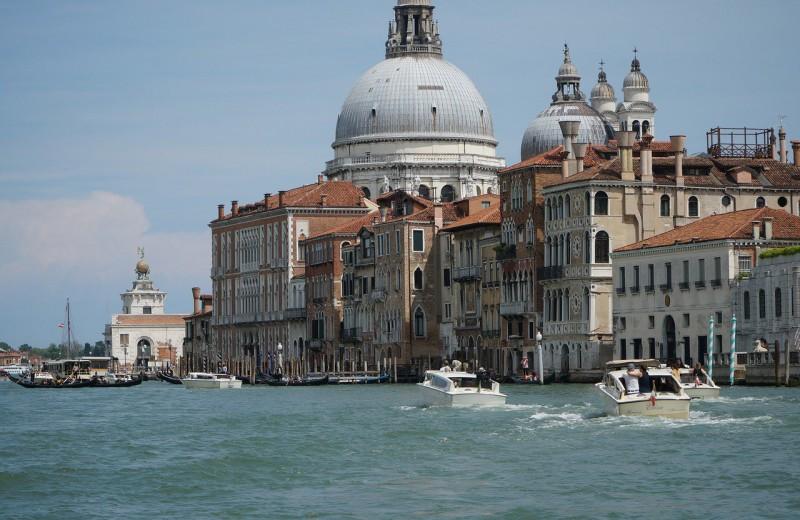 Не стоит ли дать Венеции утонуть, вместо того, чтобы бесконечно бороться за ее сохранение?