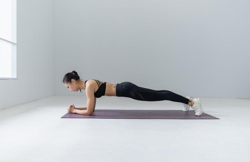 Планка: 11 эффективных вариантов тренировки